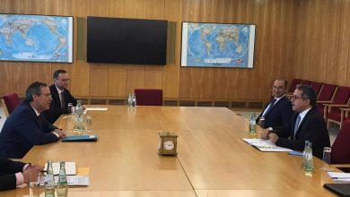 صورة وزير السياحة والآثار يجتمع بوزير الدولة للشئون الخارجية ورئيس لجنة أزمة الكورونا في ألمانيا
