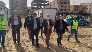 صورة مسئولو وزارة الإسكان يتفقدون أعمال تنفيذ ناد رياضى على مساحة ١٠٦ آلاف م٢ بمدينة بدر