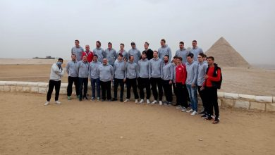 صورة منتخب سويسرا لكرة اليد يزور منطقه الاهرامات