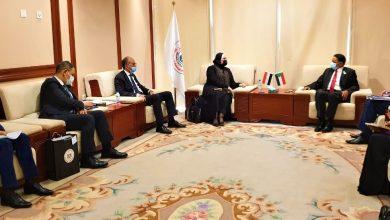 صورة وزيرة التجارة والصناعة تختتم مباحثاتها مع كبار المسئولين بالحكومة السودانية