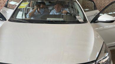 """صورة هشام توفيق: يزور """"النصر للسيارات"""" ويتفقد 13 سيارة """"E70"""" واردة من شركة دونج فونج الصينية"""