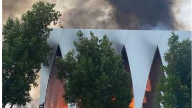 صورة بالفيديو قبل 24 ساعة من الافتتاح حريق هائل بالقاعة الرئيسية لمهرجان الجونة السينمائي